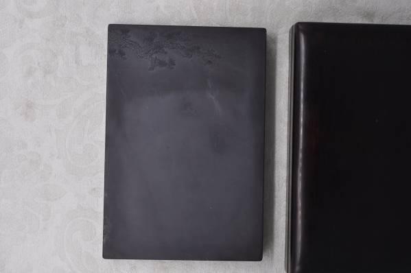 書道具、硯、端渓硯。 尺寸:23.4x15.8x2.7cm。
