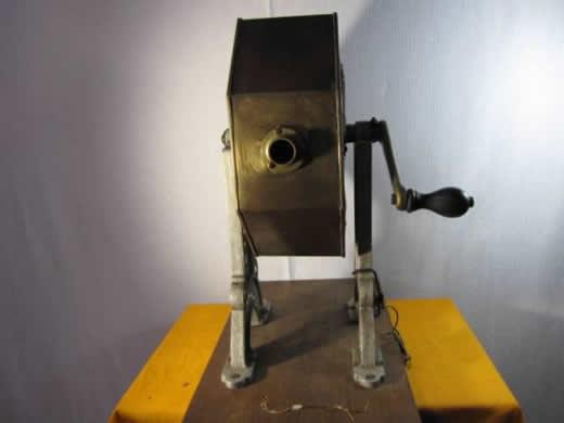 ガラガラ抽選器、玉付き、日本抽選器製作所製品