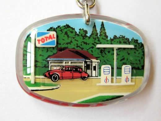 """☆ブルボンキーホルダー """"TOTAL"""" Gas station dans la foret"""