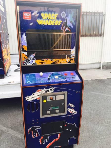 タイトー スペースインベーダー 古いゲーム筐体 昭和レトロ
