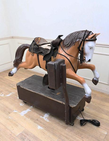 KG07 昭和レトロ アンティーク 電動 遊具 馬 屋上 遊園地 小さい子供は乗れません 木馬(樹脂製) 動作OK品