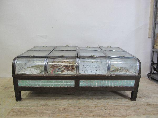 昭和レトロ ブリキとガラスのショーケース(178)台付き 当時物 コレクションケース