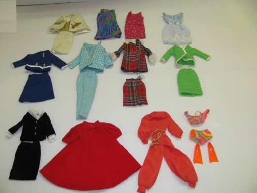 バービー人形の洋服類:多数の出品(3)