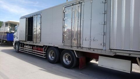 スービックトラック輸入 (2)