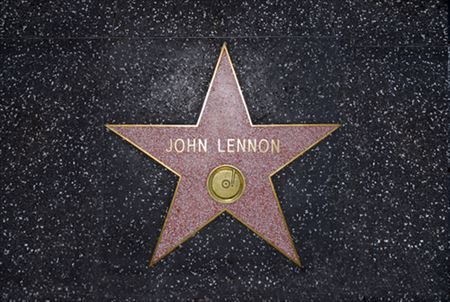 John-Lennons-Hollywood-Star-Mysteriously-Disappears_R
