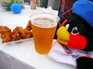 20110827地ビールと地鶏の唐揚げ♪