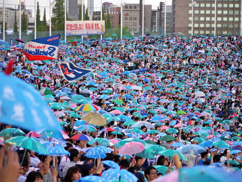20120504傘の海!