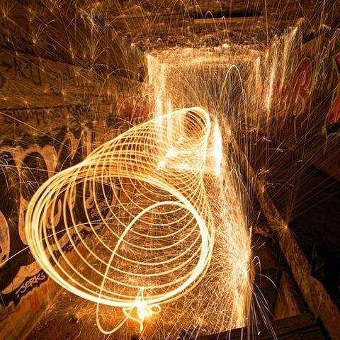 スチールウールが織りなす芸術 (5)