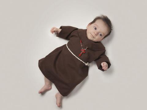 赤ちゃんのコスプレ (1)