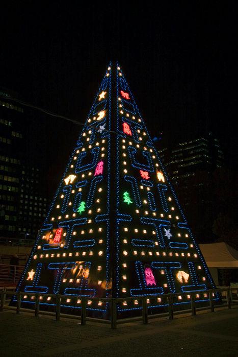 ちょっと変わったクリスマスツリー (1)