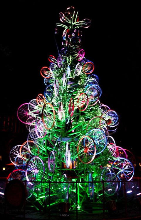 ちょっと変わったクリスマスツリー (4)