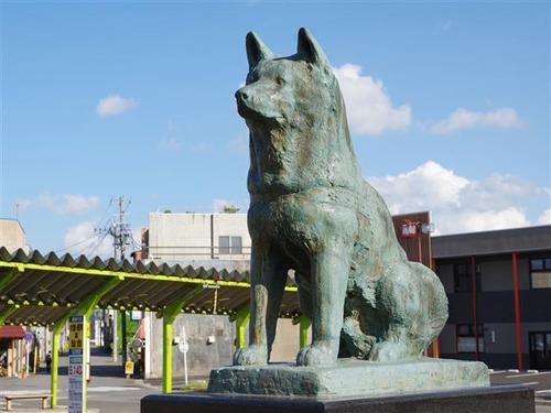 犬の銅像はたくさんあれど