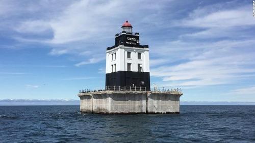 米政府、使わなくなった灯台6基を競売へ
