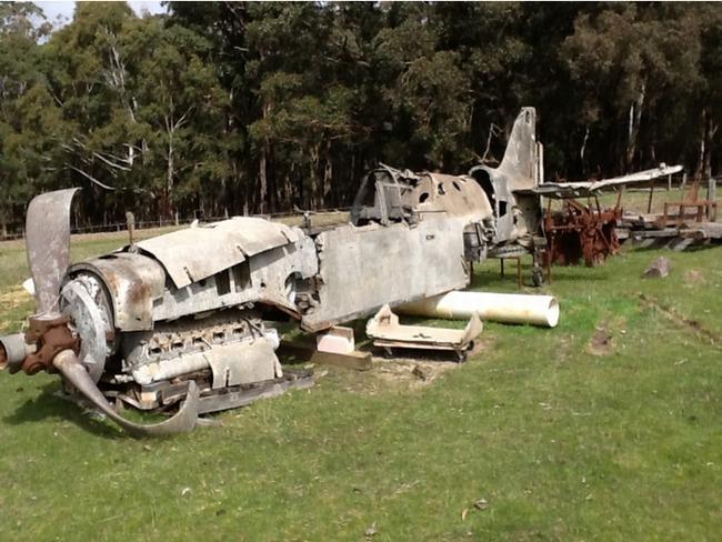 旧日本陸軍の三式戦闘機「飛燕」がヤフオクに2