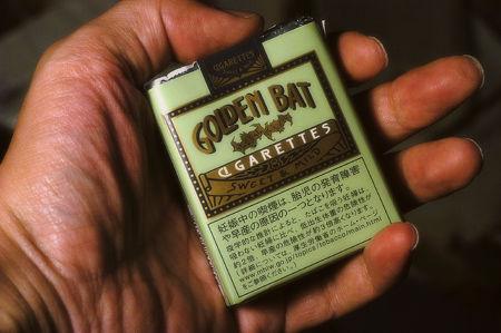 タバコの空箱で作った人形がなんか凄い