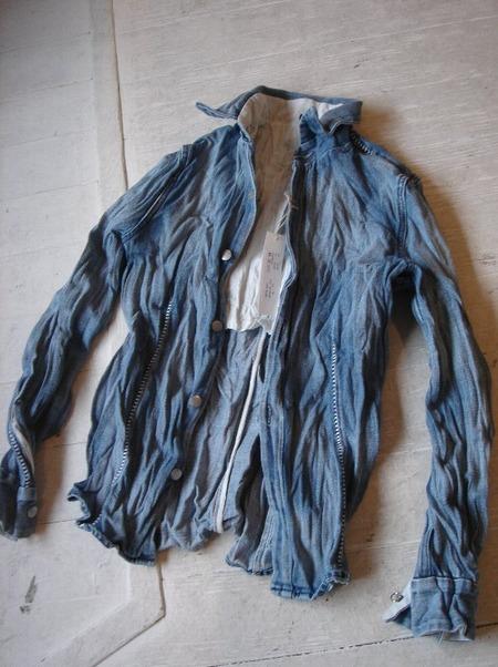 転売目的で買った服がシワシワだった