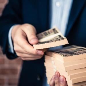 転売ヤーやってたときは年収手取り2000万くらいあった