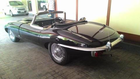 ジャガーE-Typeでコンバーチブルクラシックカー限定版Y1968