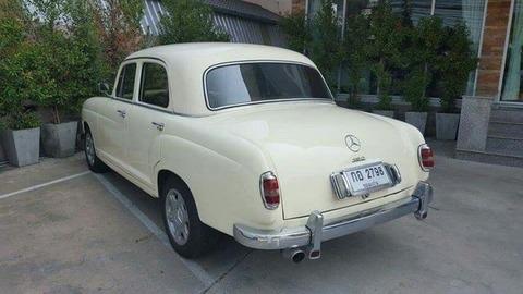 ベンツクラシックカー1957メルセデスベンツ190 2