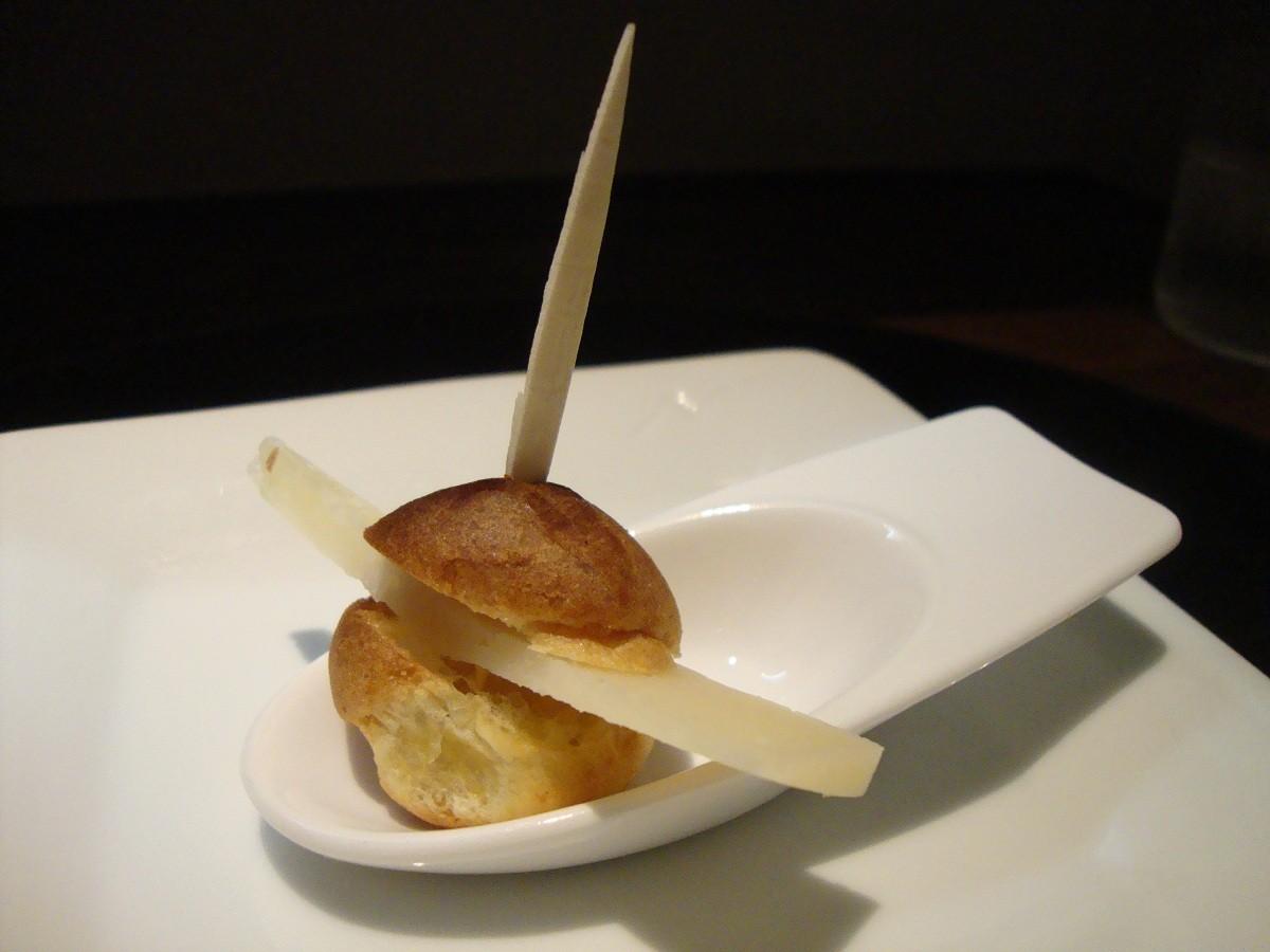 DSC07104羊のチーズのシュー包み - コピー
