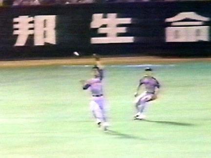 プロ野球史上三大エラー「宇野ヘディング」「長嶋茂雄ジャンピングトンネル」