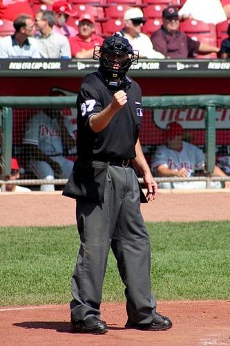 Baseball_umpire_2004