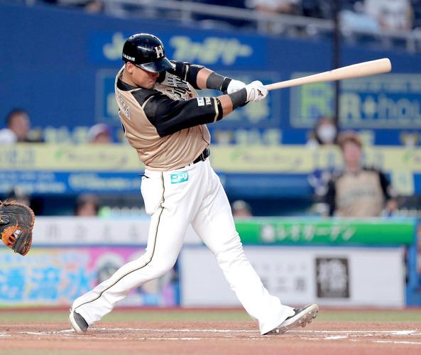 中田翔(日) 15本塁打(1位) 51打点(1位)
