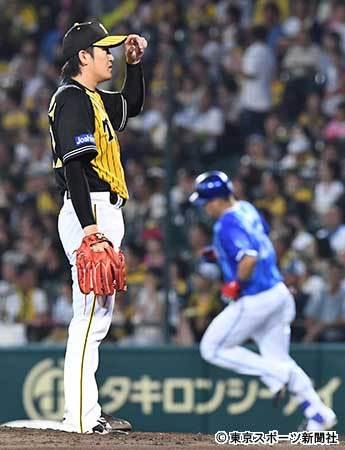 阪神・金本監督 DeNAに並ばれ「あと何試合残ってんのよ!」