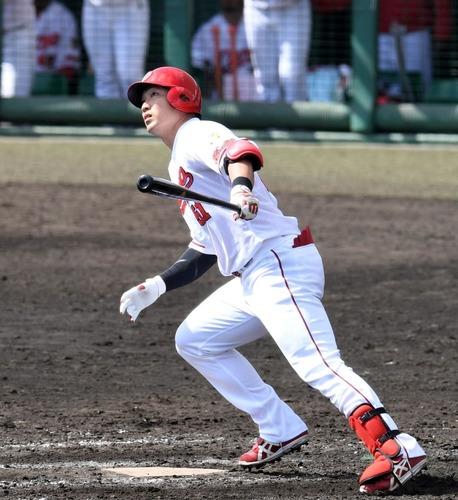 カープ鈴木誠也さん、実戦復帰でいきなり初球ホームラン