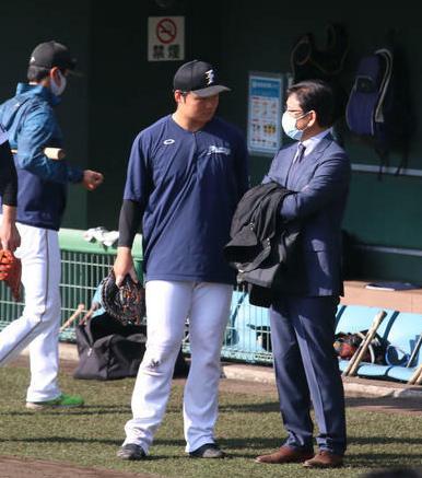 【朗報】栗山監督「幸太郎はフニャンとなりそう」