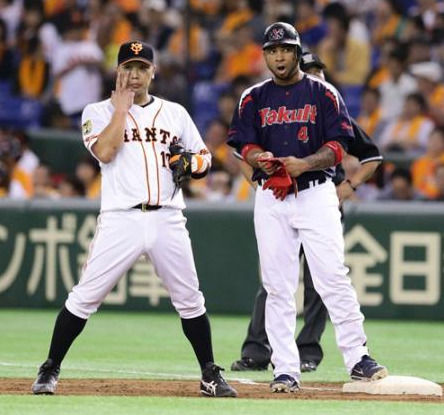 Yahoo!ニュース - 巨人阿部が一塁専念 来季コンバート