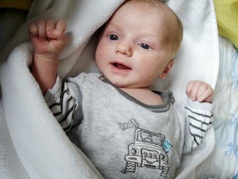 baby-102475_1920
