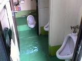工場トイレ