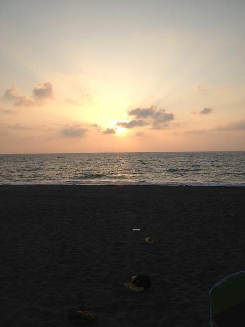 釜谷海水浴場 夕日