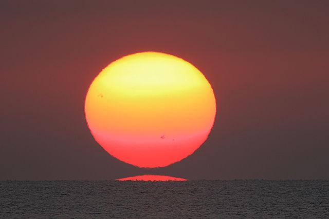 だるま夕陽