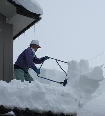 屋根雪下ろし