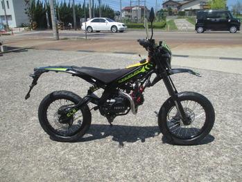 FX110モタード 003