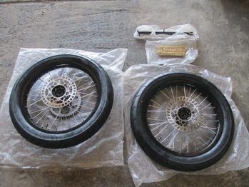 FX110モタード 001