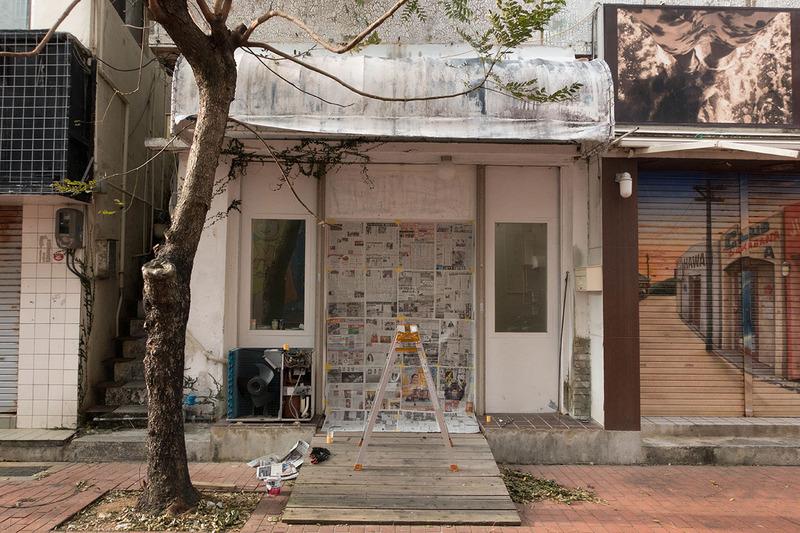 エアコンの塗装と壁塗り。棚作り