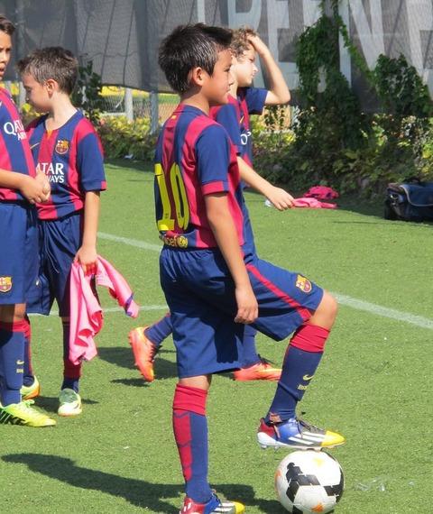 20サンドロ・レイェス 11歳 フィリピン バルセロナ