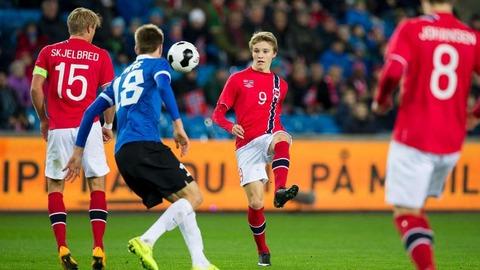 15ウッデゴーア 16歳 ノルウェー ストロムスゴッセ