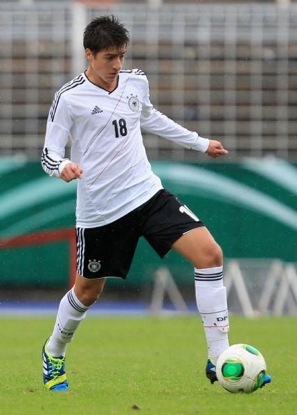 03スパノウダキス 16歳 ドイツ シュツットガルト