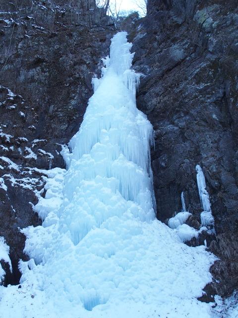 完全に凍った早滝