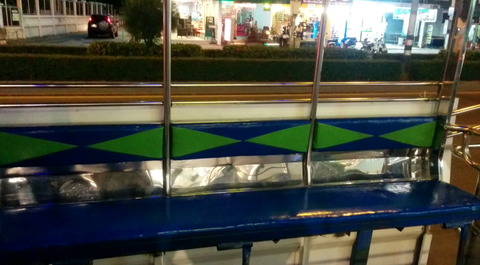Songthaew_transportation_01