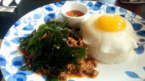 Thai stir-fried minced pork with basil