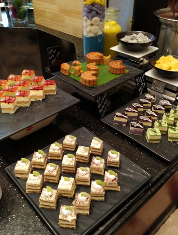Sheraton Hanoi Hotel_lunch_03