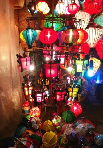 Hoi An Town_lantern shops_07