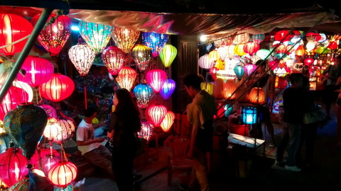 Hoi An Town_lantern shops_01