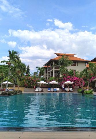 Furama Resort Danang_07-2_swimming pool