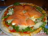 ルッコラサーモンピザ